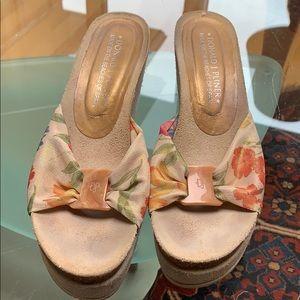 Donald Pliner Sandals size 8